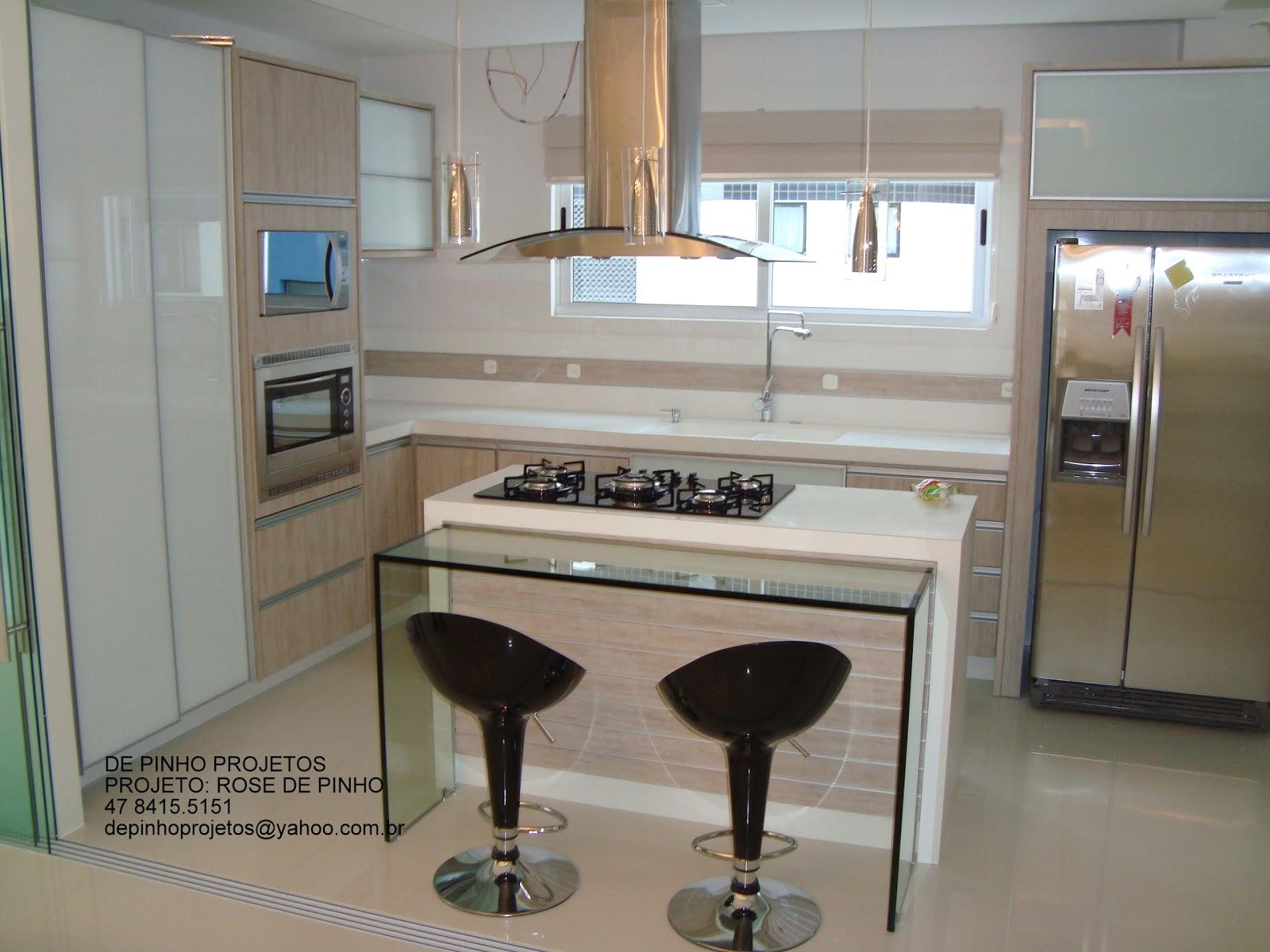 Meu Palácio de 64m²: Cozinha com ilha central #4B6975 1600 1200