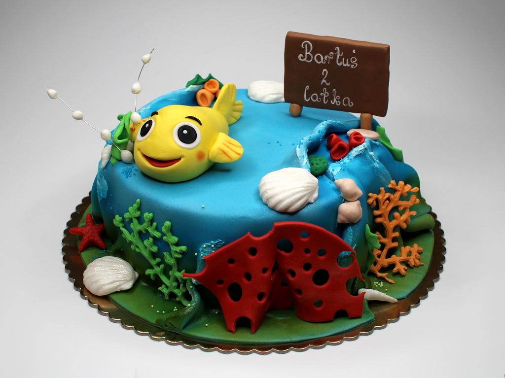 London patisserie children cake with fish for Fish birthday cake