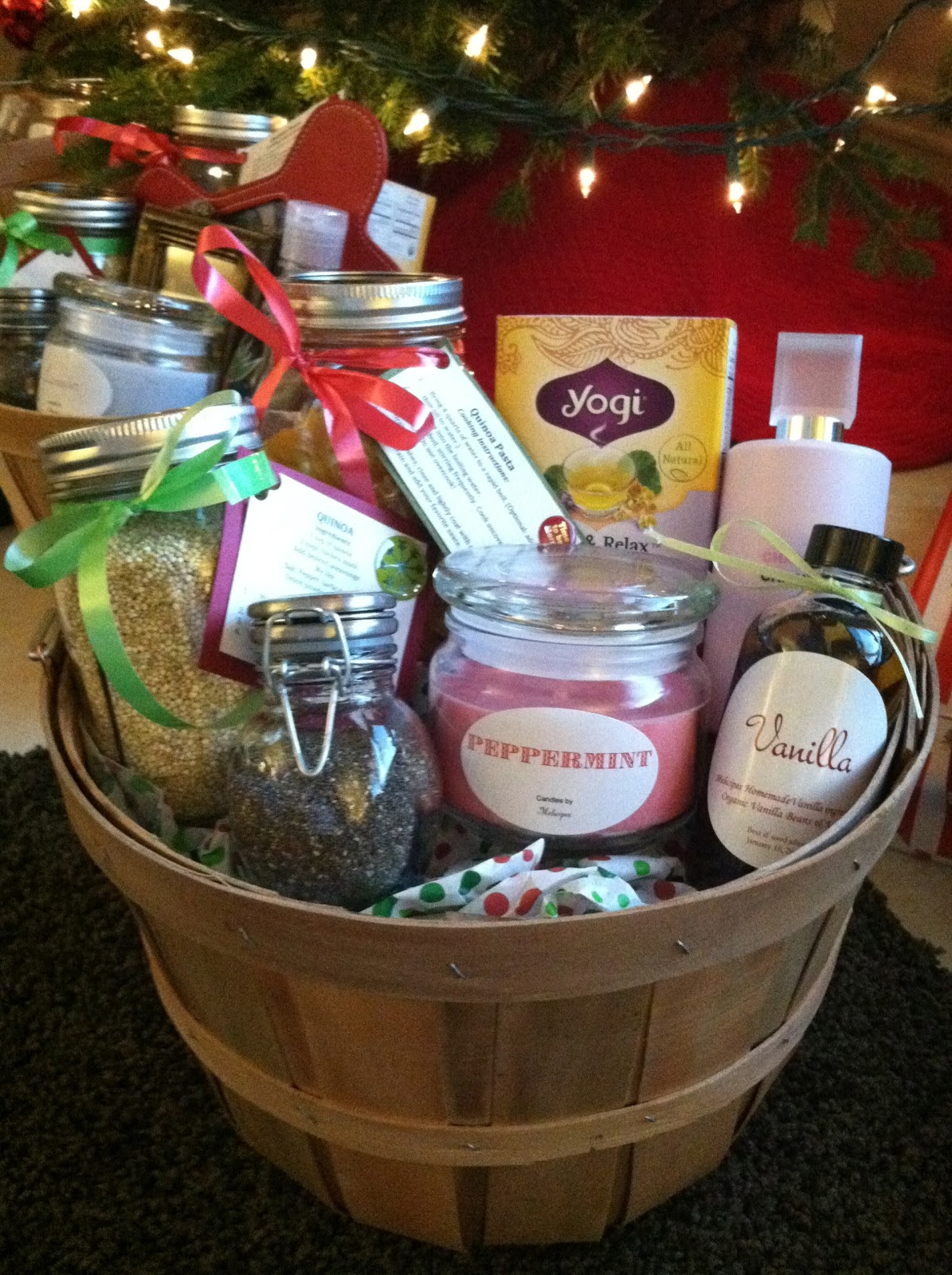 Melicipes healthy homemade gift baskets for Homemade christmas gift baskets for couples