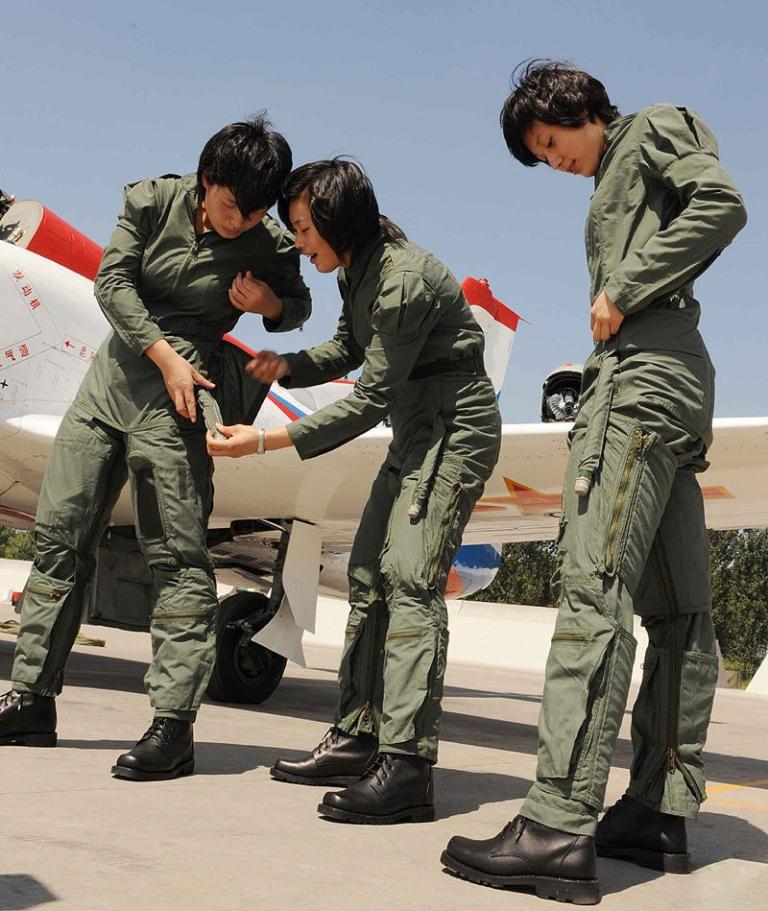http://2.bp.blogspot.com/-VhNlJrfdiV8/T1Qe8VgrOcI/AAAAAAAAJtE/xebRflQXxkM/s1600/male+colleagues+female.++female+recruits+chinese+eople%2527s+Liberation+Army+Air+Force+%2528PLAAF%2529+People%2527s+Liberation+Army+Naval+Air+Force+%2528PLANAF%2529+plaaf+pla+navy+pla+sexy+hot+female+women+girl+%25283%2529.jpg