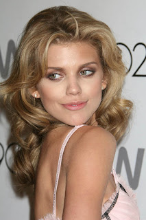 AnnaLynne McCord Low Neck