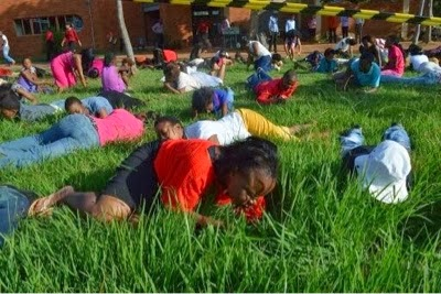 South-Africa-Church-Memeber-Eat-grass-pastor