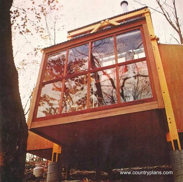 Cabaña de madera abulonada vista exterior