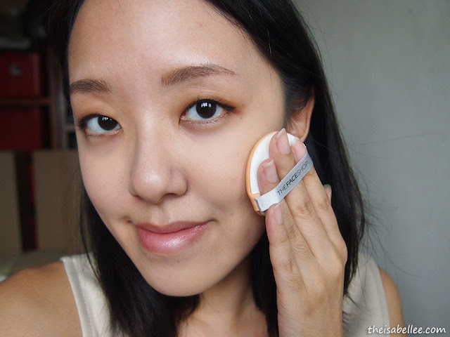 Applying The Face Shop Oil Control Water Cushion