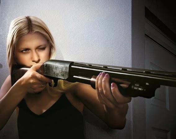 Elle tire nue au fusil dassaut AR-15 ! - Le blog sexy
