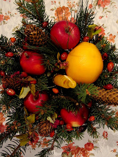 A cute, easy to make Christmas table ornament. It smells divine and you cand eat it too
