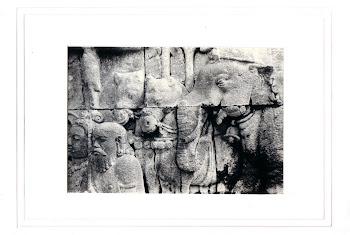 """""""Gajah & Resi"""" (18 X 13 Cm)"""