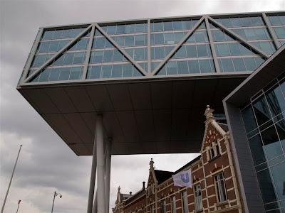 Edificio De Brug en Rotterdam
