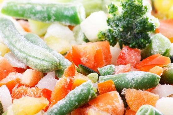 Rau củ bảo quản lạnh giữ được nhiều vitamin hơn rau để lâu bên ngoài. Ảnh: ifood.