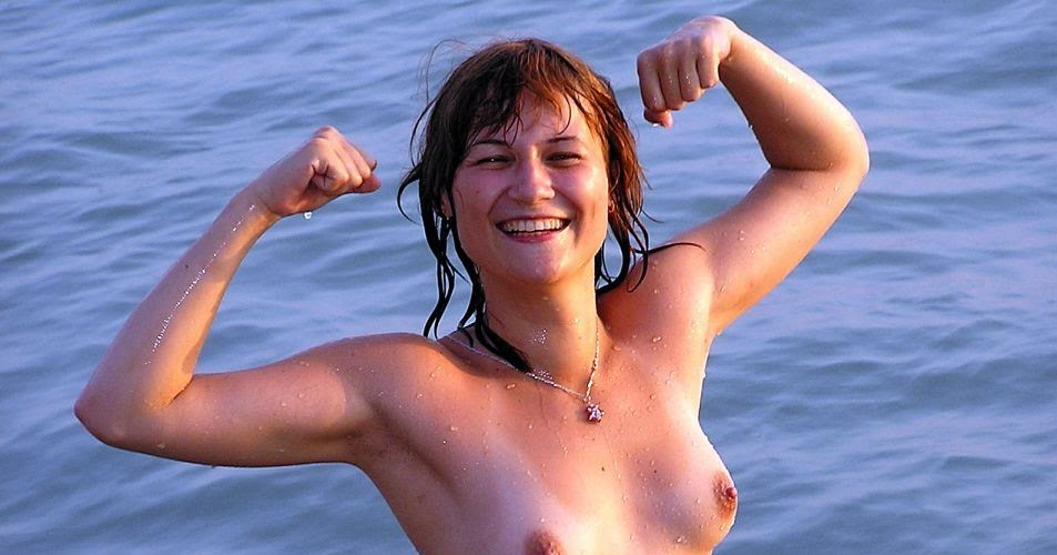 nudist women photo of the day 06 08 11   good naked