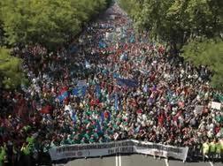 Στης Μαδρίτης την ολόμαυρη ράχη...
