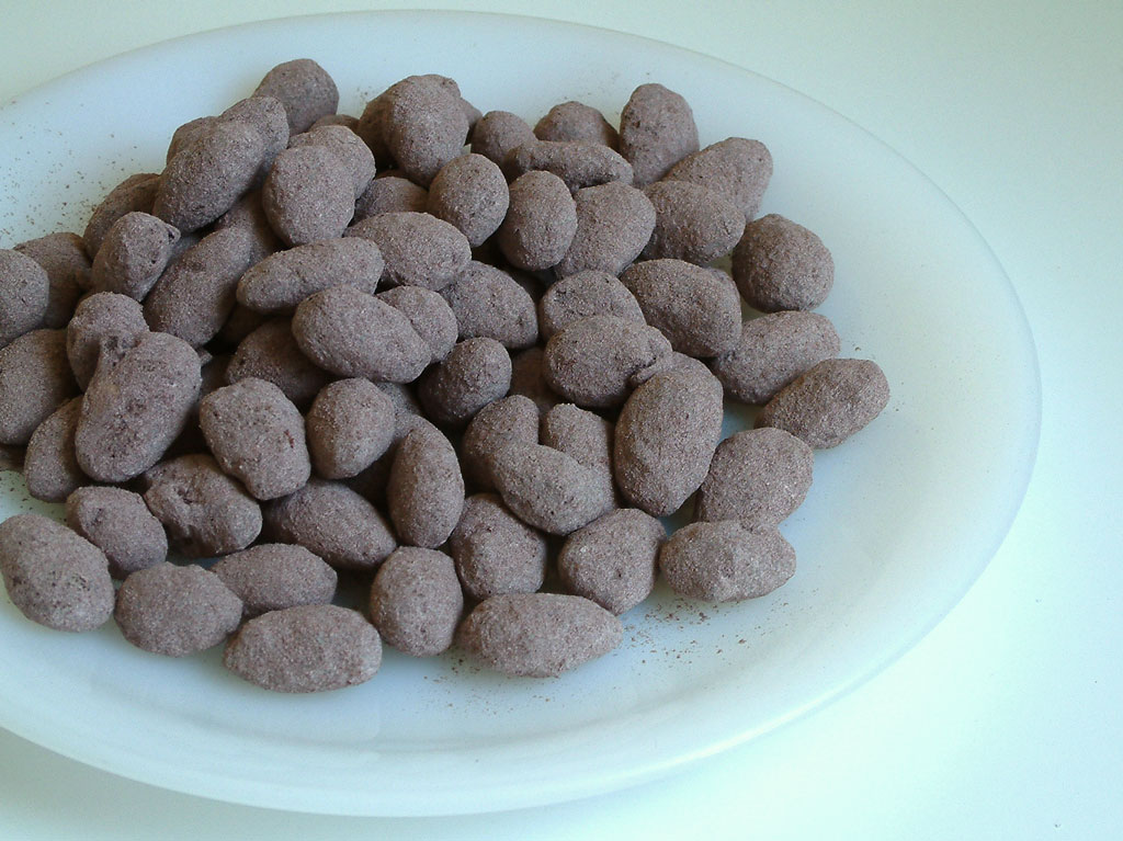 CHOCOLATE COATED ALMONDS | Cook , eat & move fast