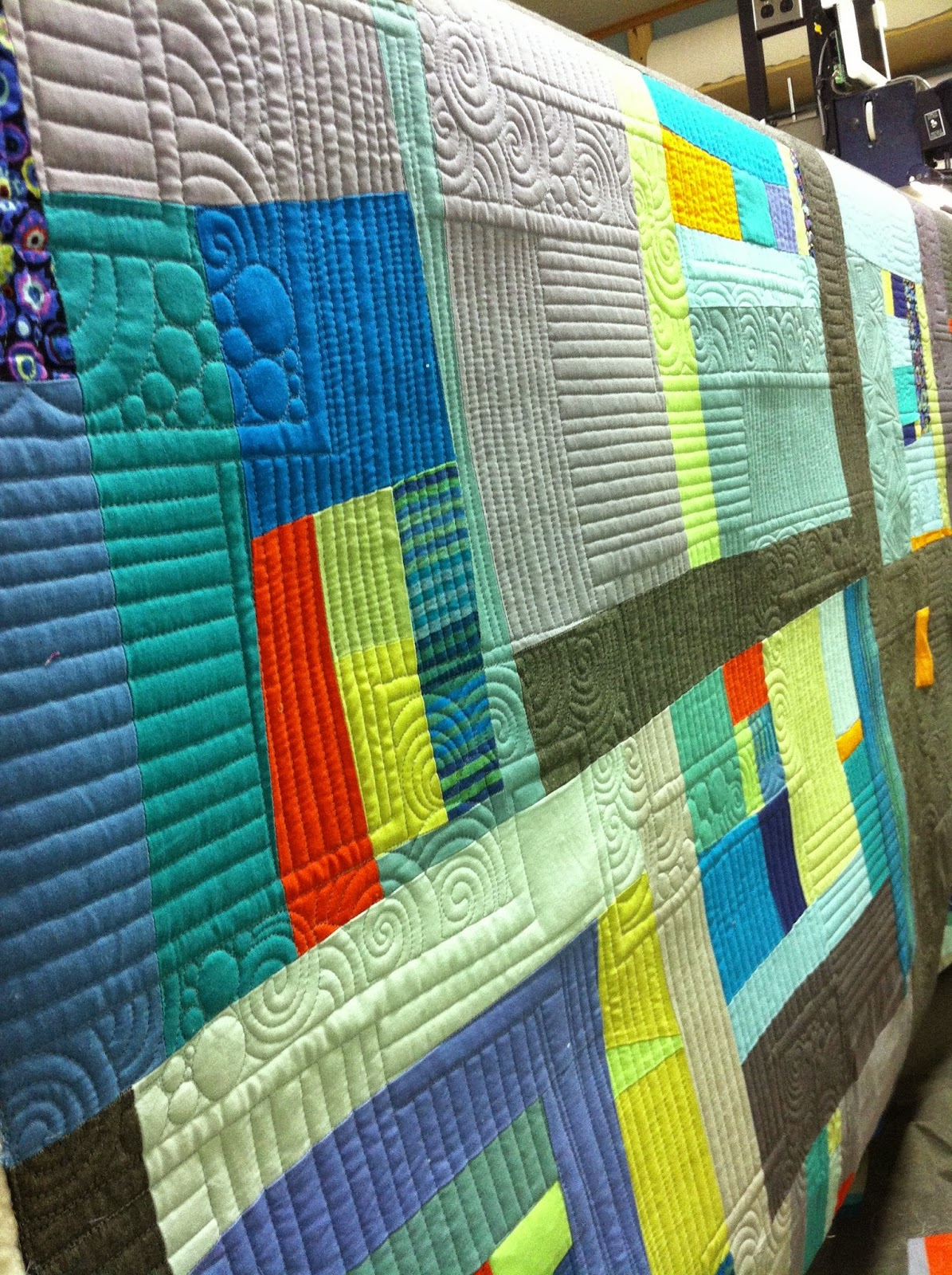 Krista Withers Quilting: Hands on Longarm classes at Island ... : quilting hands - Adamdwight.com