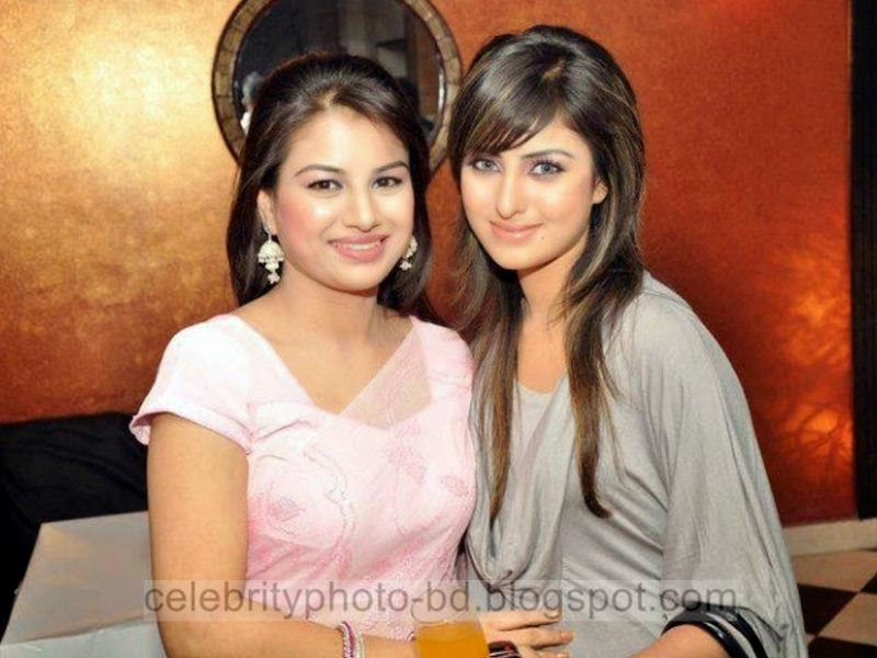 Most+Popular+Female+Bangladeshi+News+Presenter+Farhana+Nisho's+New+Hot+Photos+Collection007