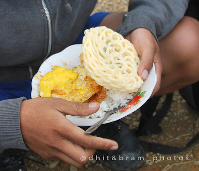 Menu makan di warung mbok tho