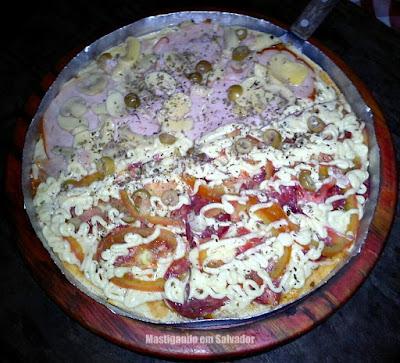 Mammas Pizza: Pizza meia Mammas meia Udinese