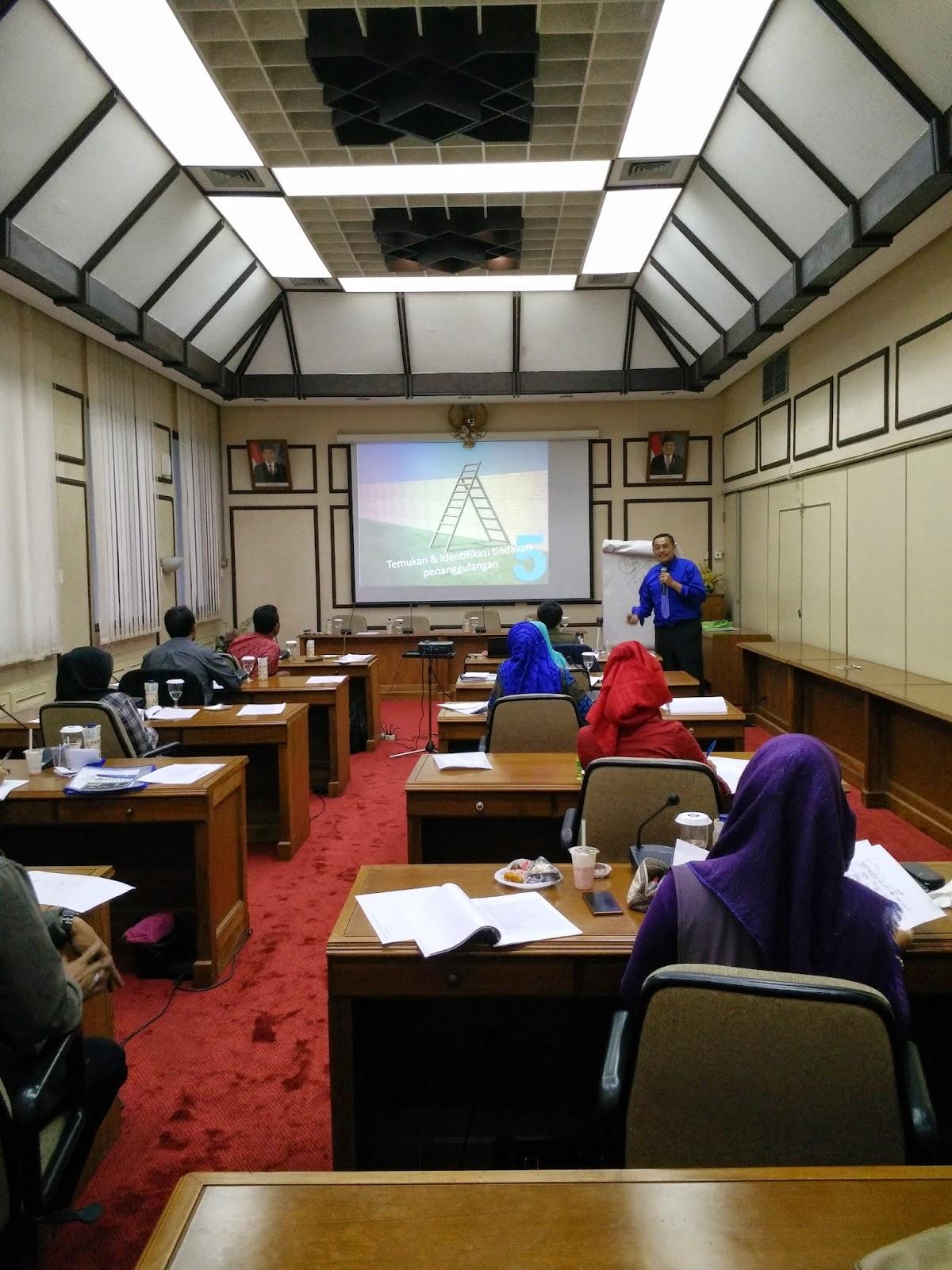 Suasana Kelas Coaching Sistemasi Bisnis wira Usaha Bank Indonesia Tasikmalaya