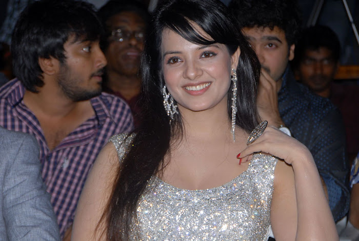 saloni from telugammai audio launch, saloni new