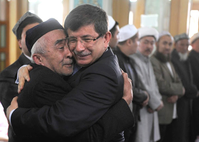 Turki Tampung Ratusan Muslim Uighur, China Meradang