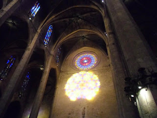 Mallorca con niños: El calidoscopio de la Catedral de Palma. Espectáculo del ocho