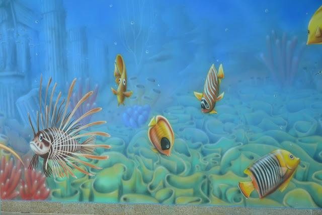 Artystyczne malowanie ściany na basenie wystrój wnętrza, malowanie rafy koralowej na basenie, Warszawa