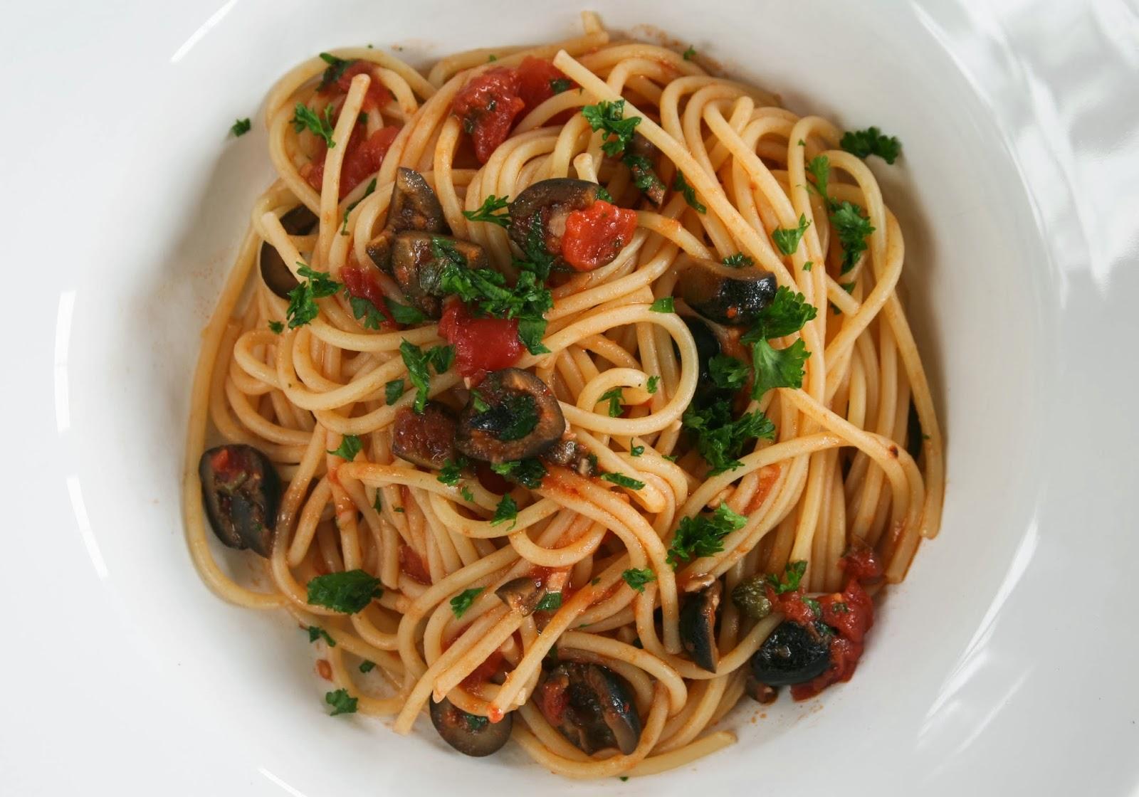 Huis, tuin en keukenvertier: Pasta Puttanesca