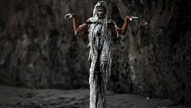 Ikuti Hantu Gentayangan