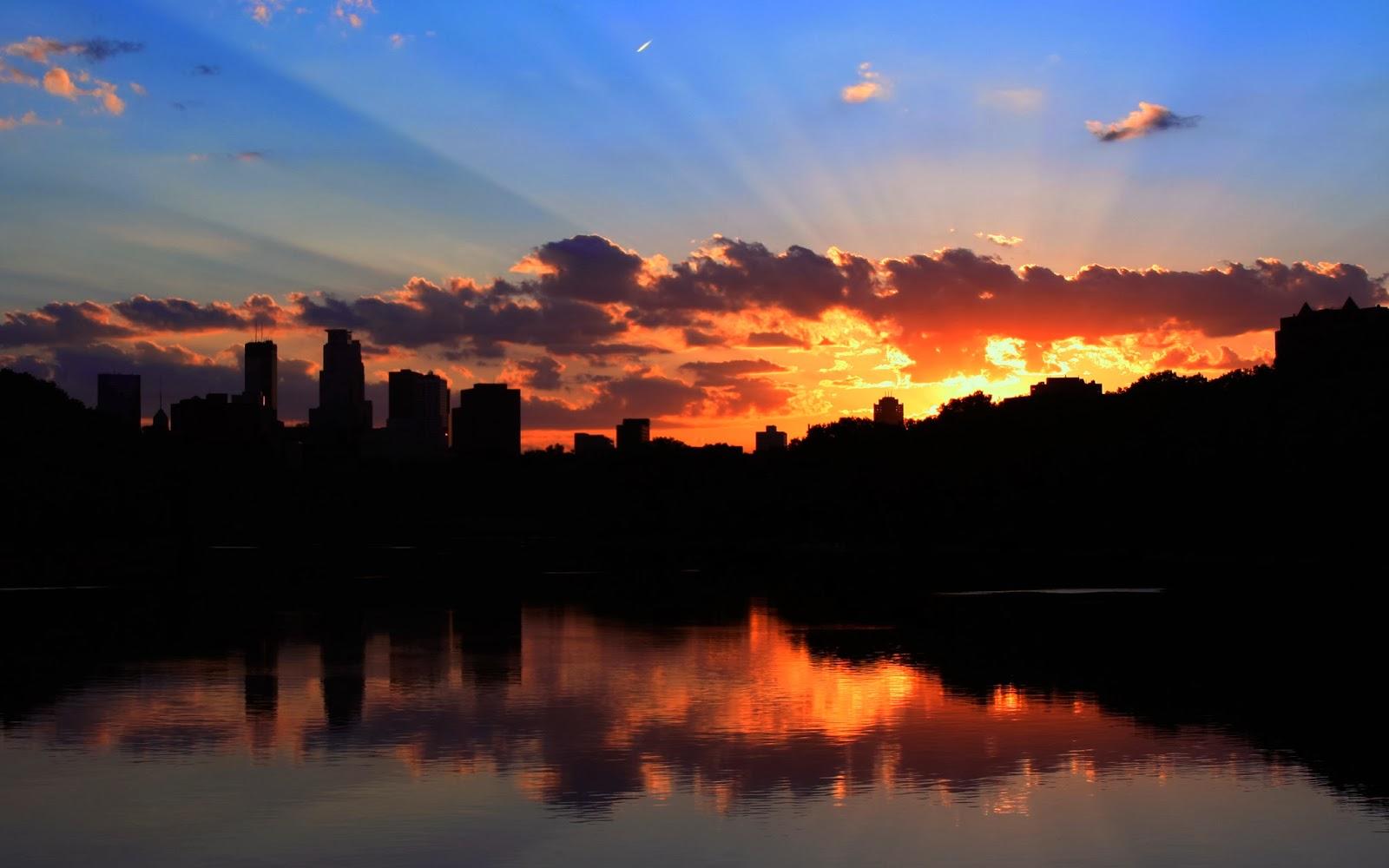 """<img src=""""http://2.bp.blogspot.com/-VktYrhnXOaE/Ut7Wpc4oR3I/AAAAAAAAJsg/GJWcpzZwdIo/s1600/minneapolis-sunset.jpg"""" alt=""""minneapolis sunset"""" />"""