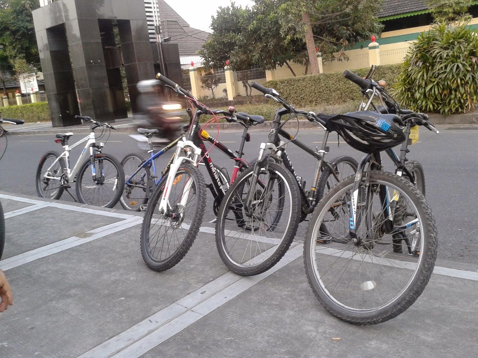Sepeda para anggota reboan