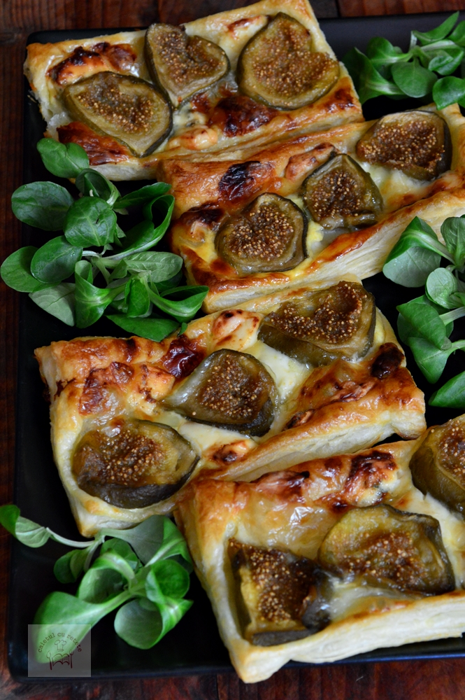 Foietaj cu smochine, gorgonzola si camembert