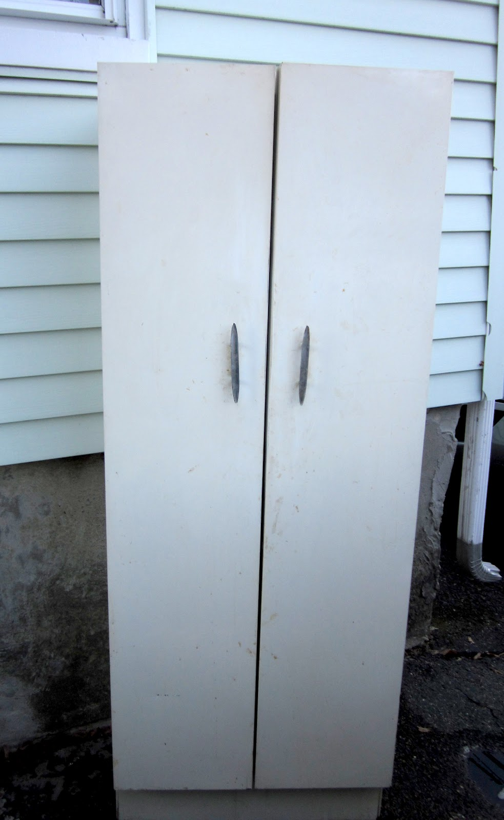 Stories of a Sister: How to Paint a Metal Cabinet