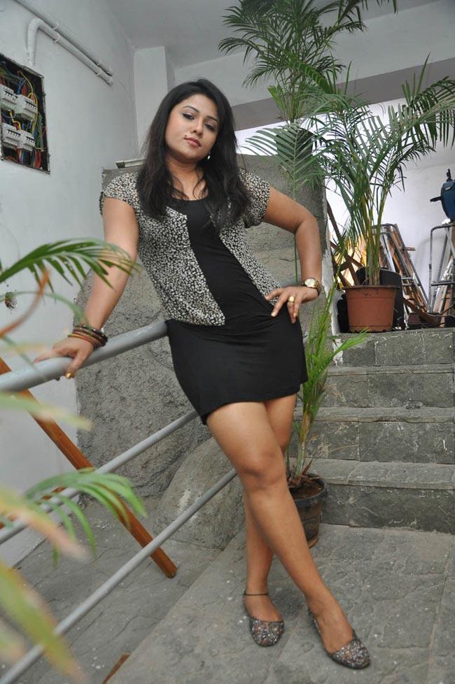Item Actresses Jyothi Hot Stills in Short Dress showing