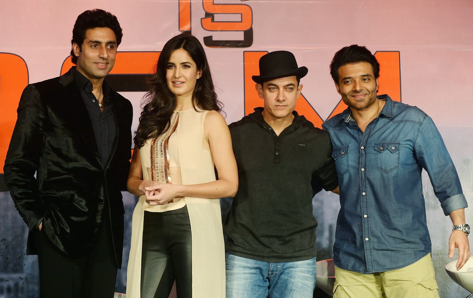Aamir Khan, Katrina Kaif, Abhishek Bachchan, Uday Chopra, Bollywood, Showbiz, Dhoom 3, Film, Movie, 500 crores, India, Entertainment, Film, Rs, Rupees,