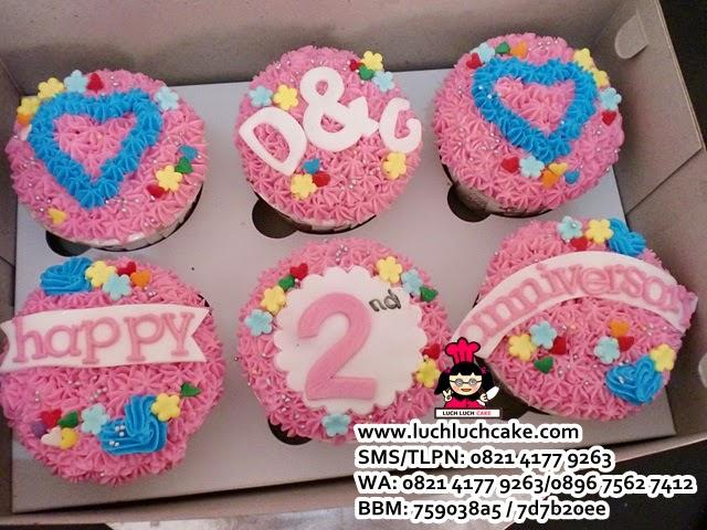 Cupcake Anniversary Buttercream Pink Daerah Surabaya - Sidoarjo