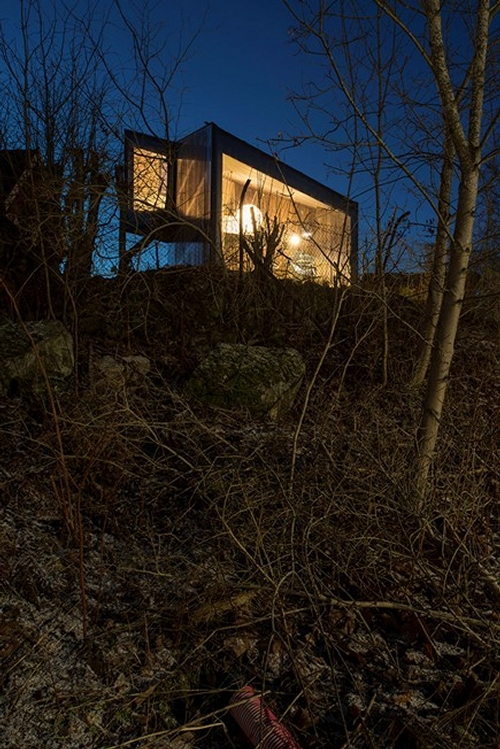09-JVA-Micro-Architecture-with-the-Writer-s-Cottage-www-designstack-co