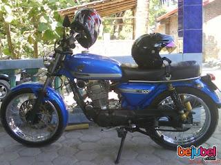 Warna Biru Cat Tangki Motor CB 100