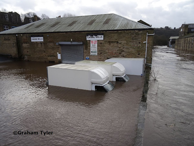 Elland Flooding 1 car park