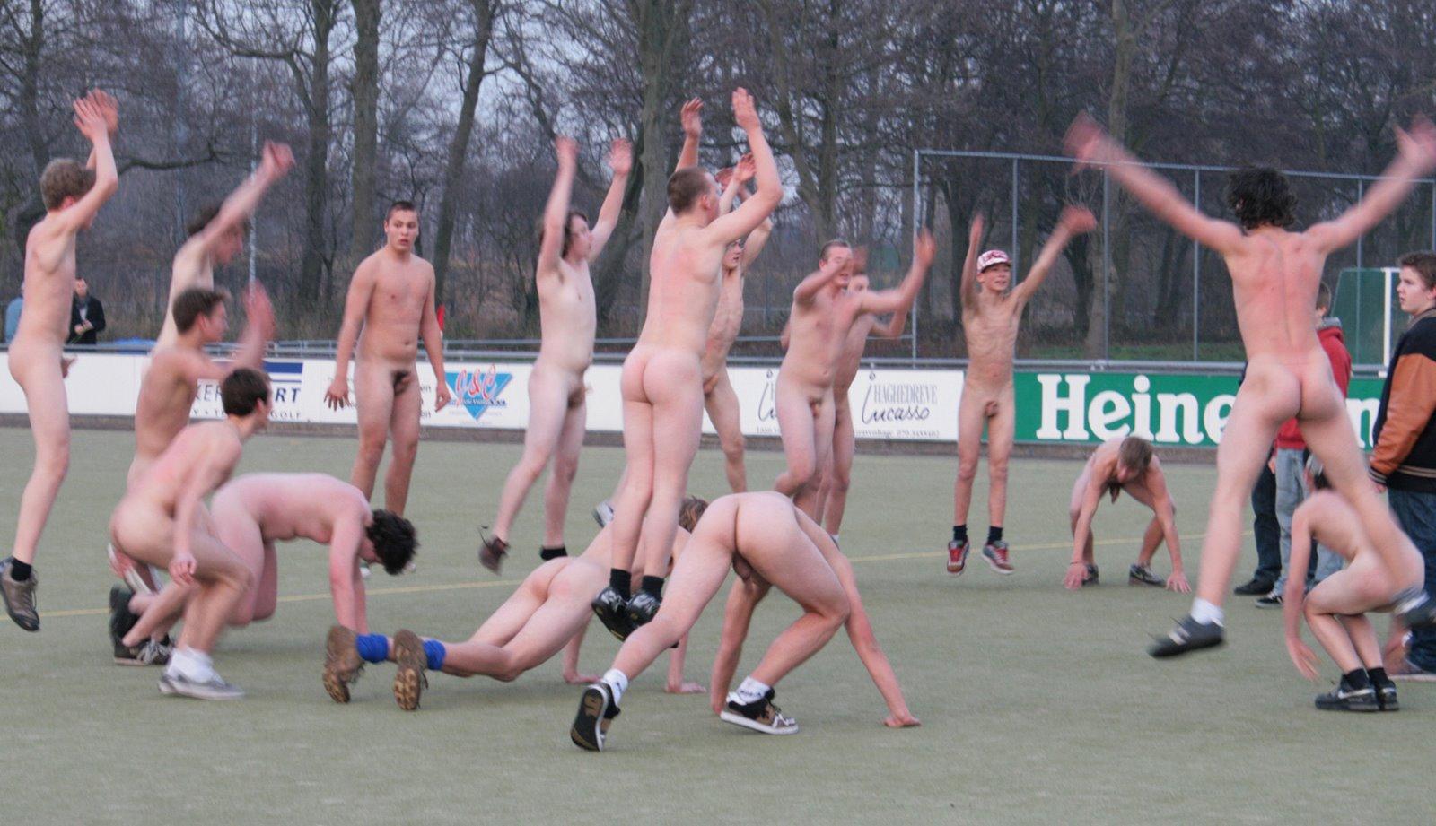 Секс в спорт школе 16 фотография