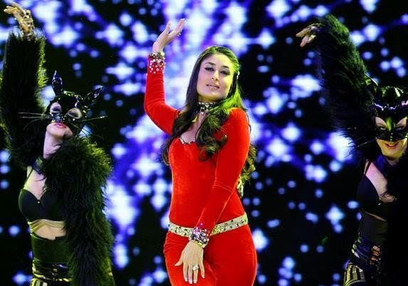 Kareena Kapoor at ipl5 opening ceremony