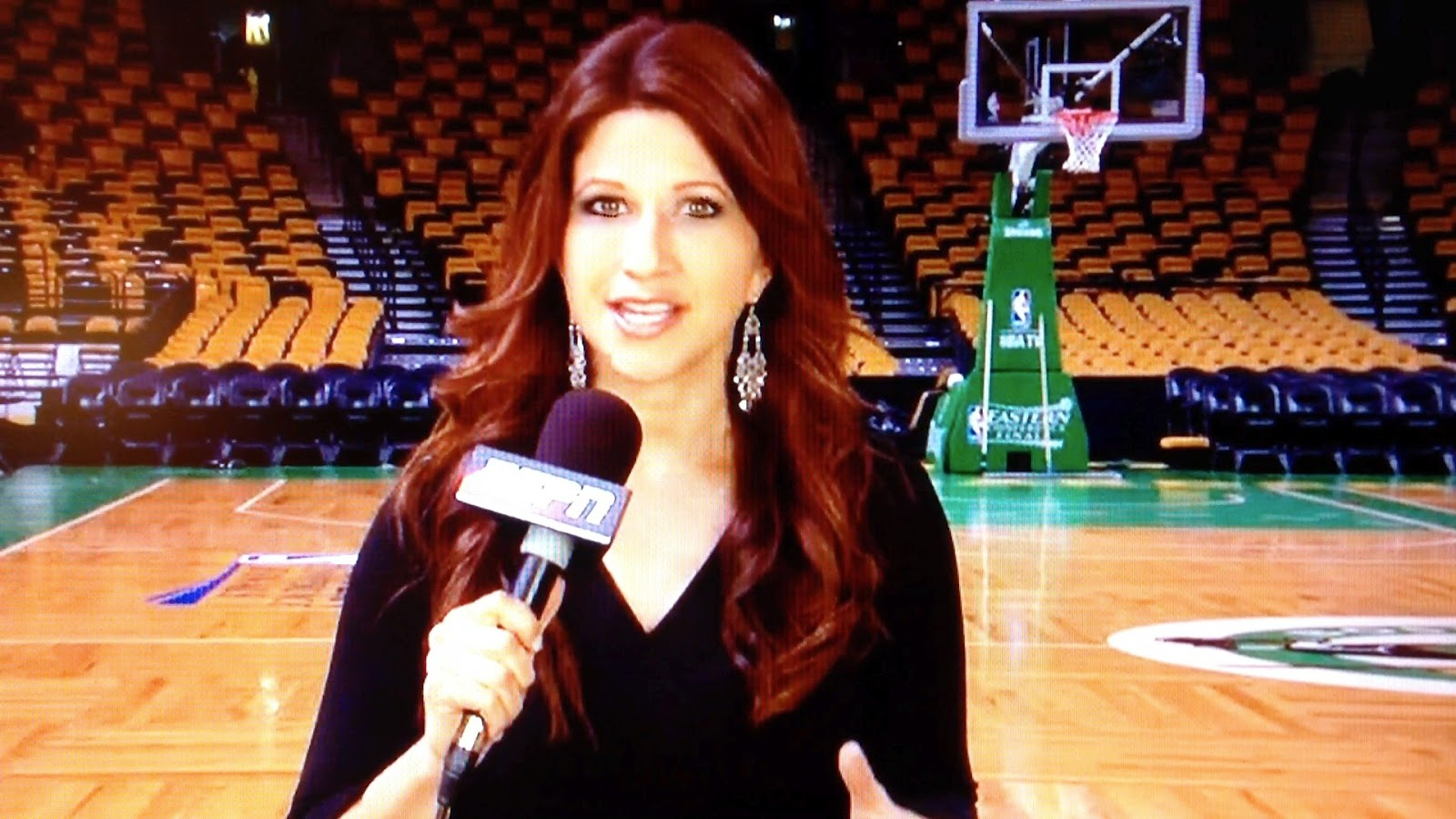 Why Does Rachel Nichols Espn Journalist Have A Zit On Her Chin