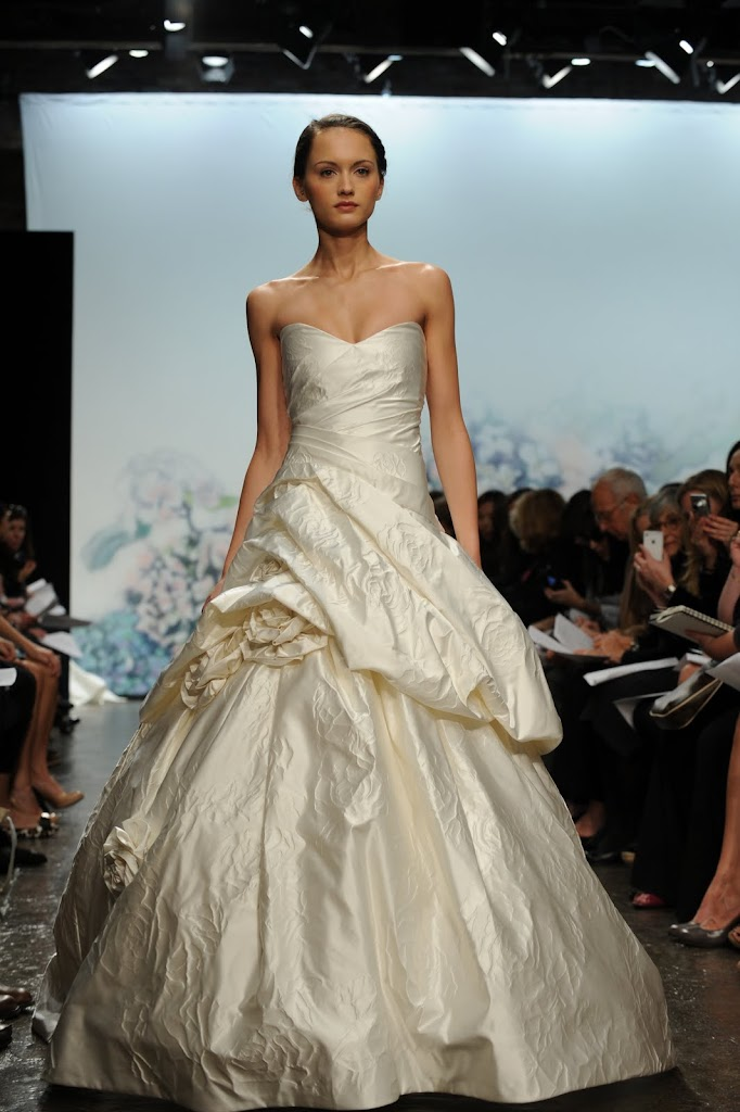 Monique_Lhuillier_Wedding_Dress_Strapless_Satin-flowers