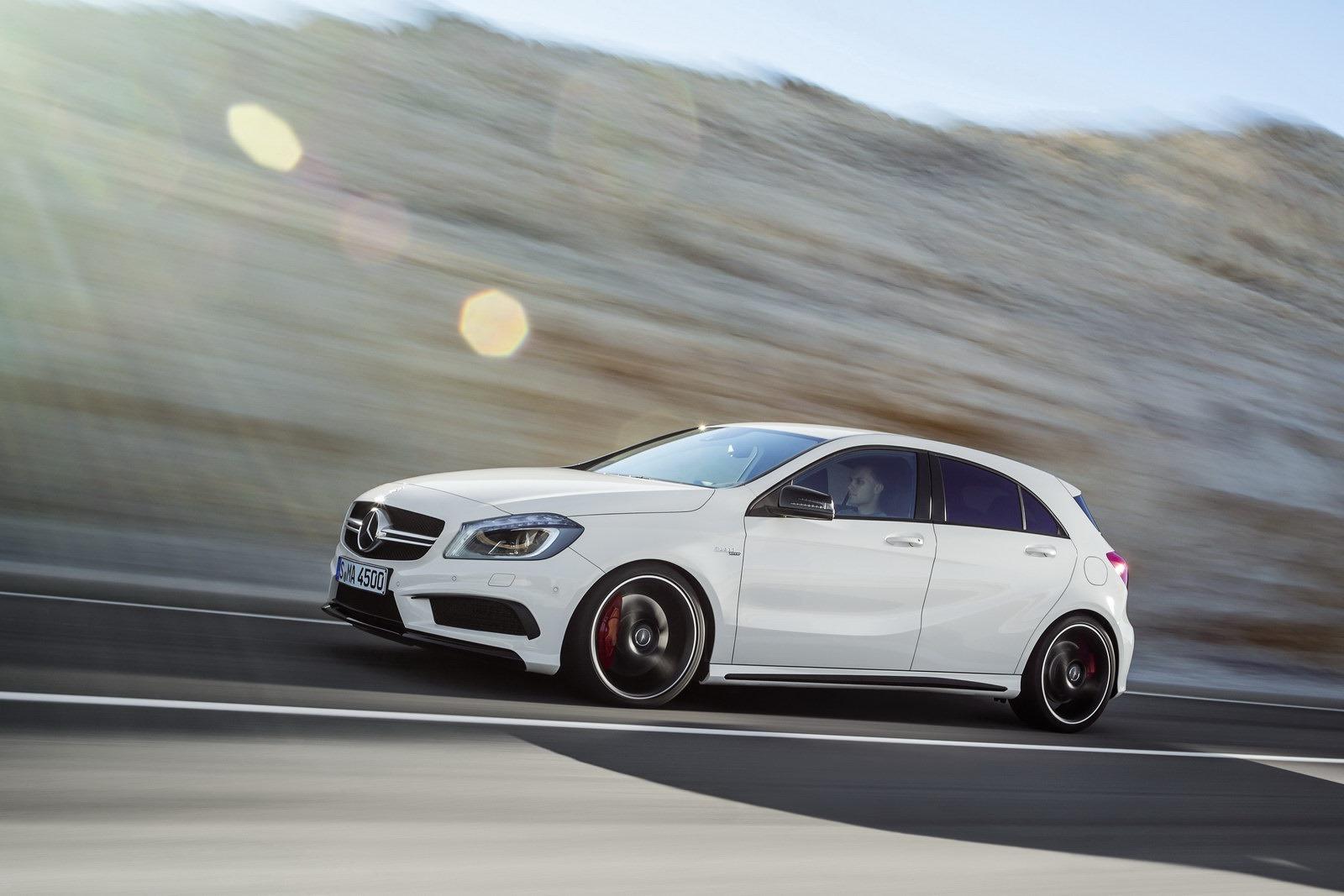 http://2.bp.blogspot.com/-VmCEcIy3fY4/UTfEv_f1hKI/AAAAAAAASWY/CRYh6QQrJ6k/s1600/Mercedes-Benz-A-45-AMG-16%5B2%5D.jpg