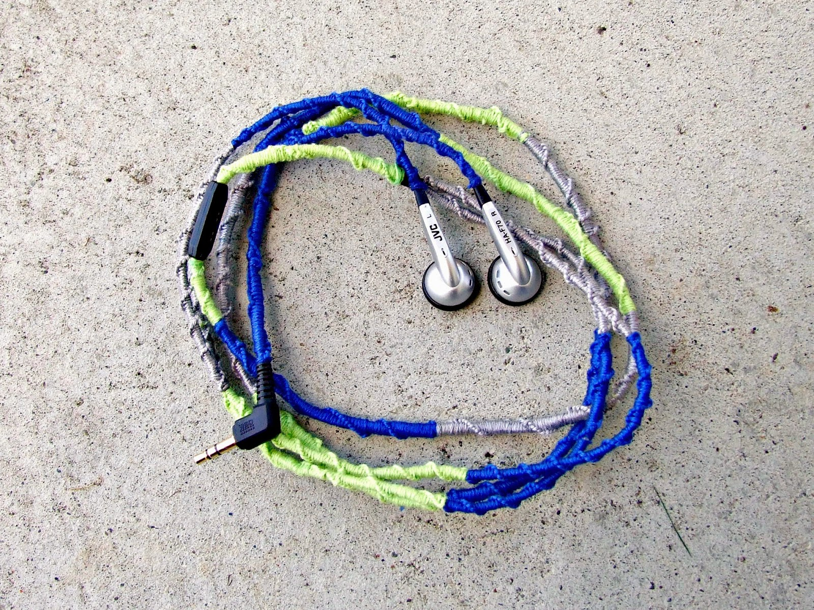 Paper Tape U0026 Pins Easy DIY Tangle Free No Hassle Embroidery Floss Wrapped Headphones!