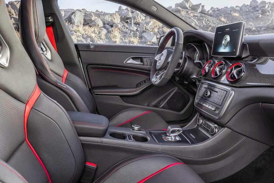 Mercedes-Benz CLA 45 AMG Shooting Brake (2015) Interior