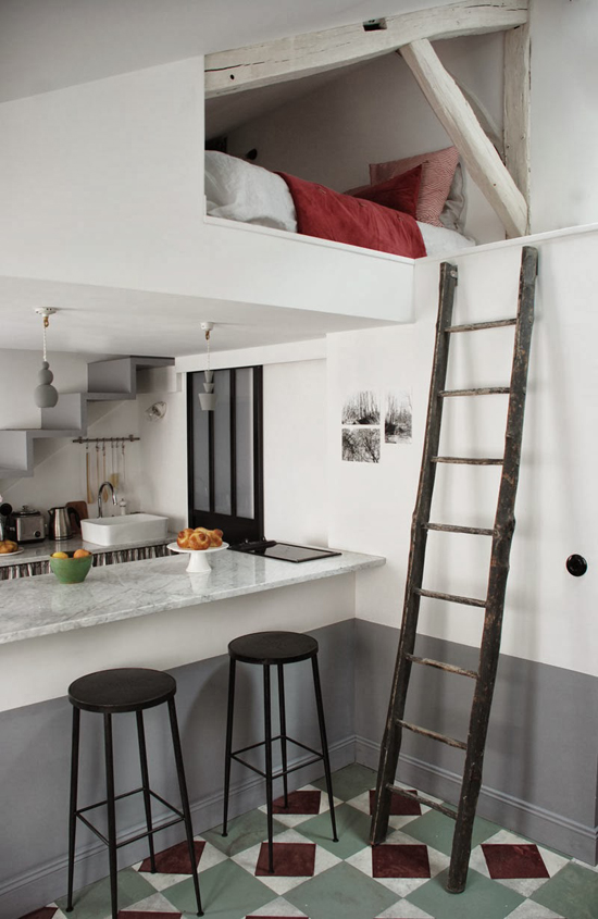 Tiny attic apartment in Paris by Marianne Evennou