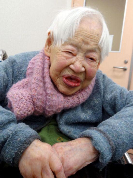 голые бабушки фото