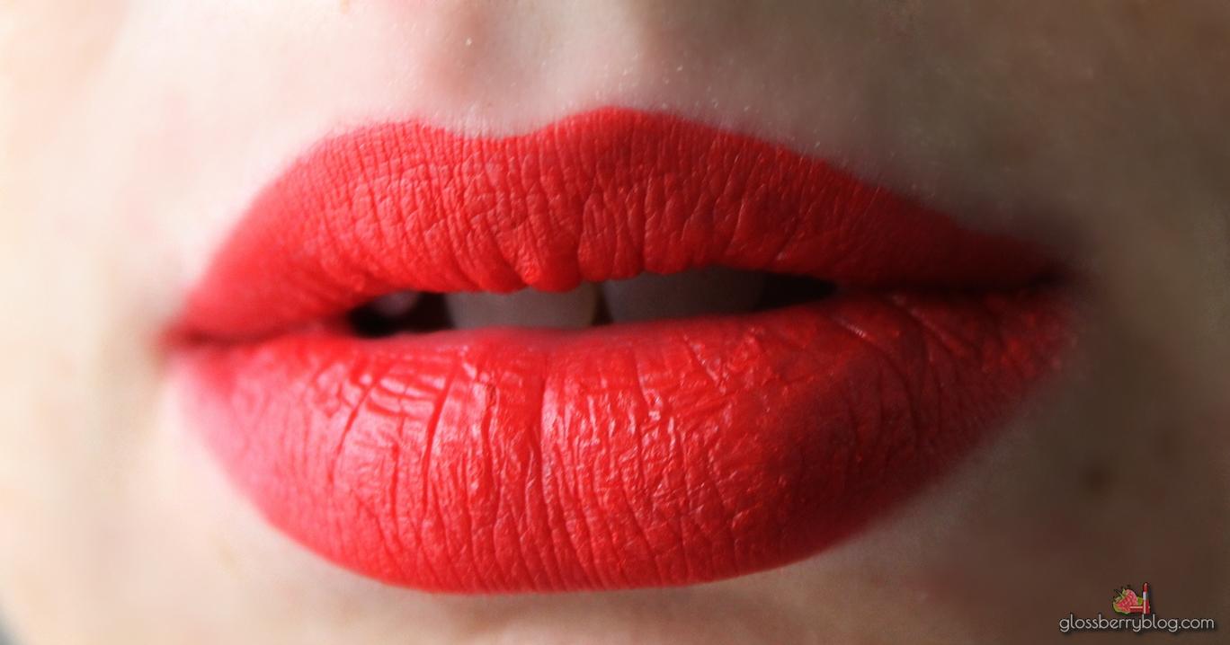 mac viva glam miley cyrus II hot orange red lipglass lipstick matte review swatches מאק ויוה גלאם מיילי סיירוס גלוס כתום אדום שפתון בלוג איפור וטיפוח גלוסברי סקירה