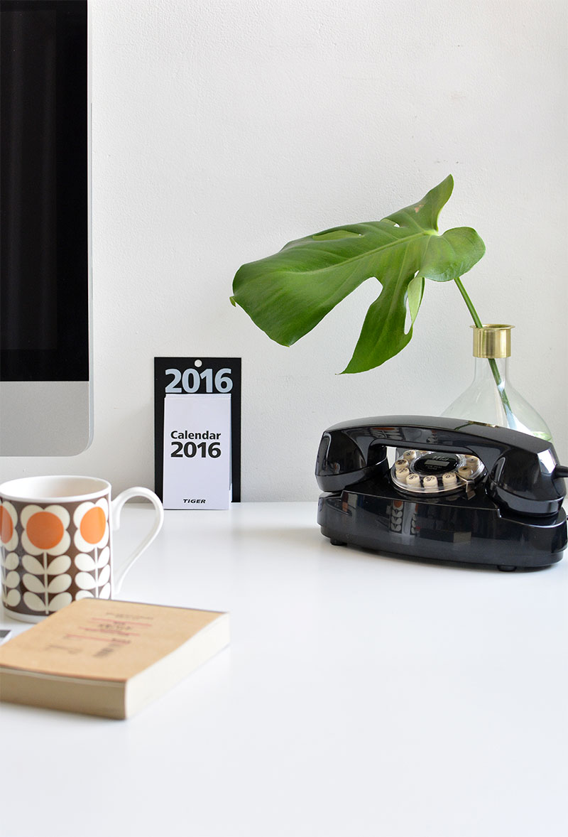 interior blogger uk- desk tour