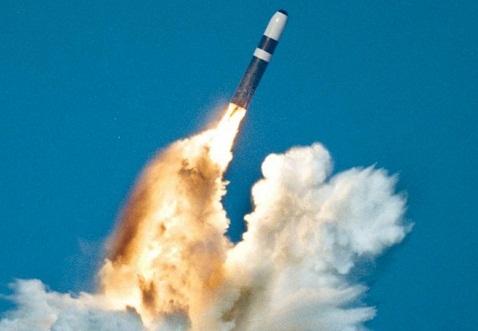 Polandia Minta Nuklir pada NATO