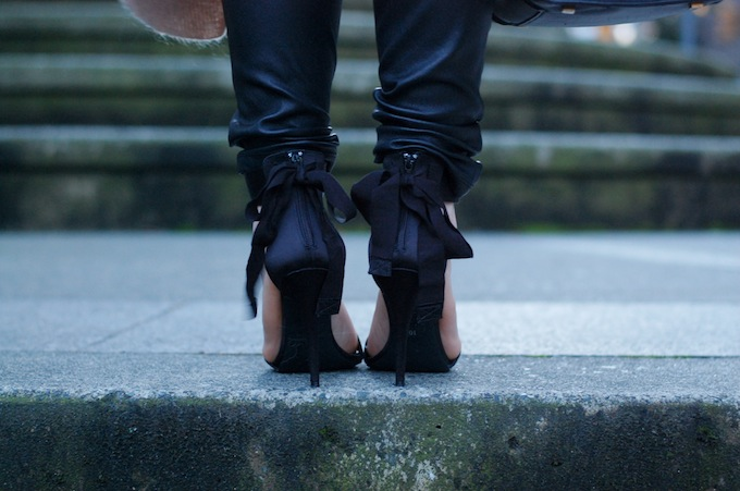 Le Chateau strappy bow heels